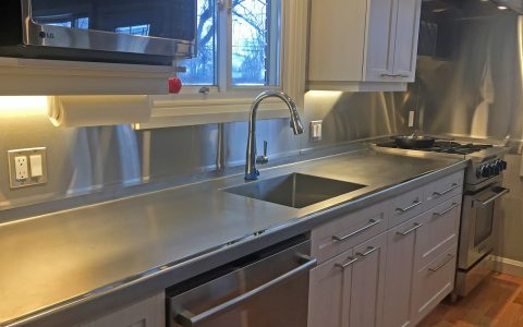 Orbital sanded countertop with mirror finished marine edge